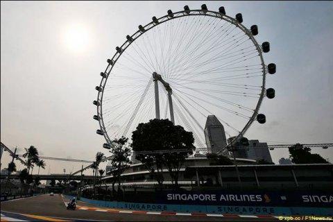 В Формуле-1 организаторы Гран-При Сингапура готовы выдавать зрителям одноразовые маски