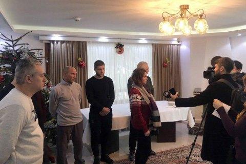 В посольстве сообщили, когда спасенные с затонувшего сухогруза моряки вернутся в Украину
