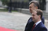 Янукович собирается  к Медведеву