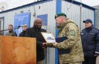 """На КПВВ """"Марьинка"""" установили новые модули для паспортного контроля от ООН"""