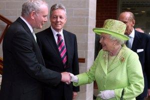 Елизавета II встретилась с бывшим командиром террористической организации