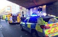 В Лондоне неизвестный с ножом напал на прохожих: один человек погиб