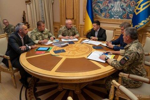 Зеленский собрал срочное совещание из-за гибели военных на Донбассе