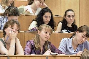 Кабмин не выполнил поручение Януковича по увеличению стипендий