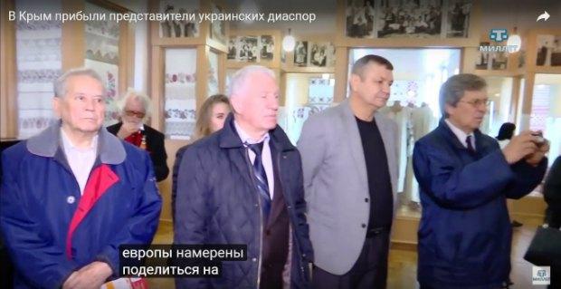 Слева направо: Николай Лях, председатель Луганского землячества Николай Челомбитько и Петр Акайомов (крайний справа)