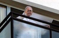 Папа Римський виголосив першу після операції недільну молитву з балкону римської лікарні