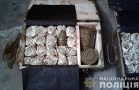 В гараже бывшего военного кладовщика в Прилуках обнаружили 49 ящиков патронов и 175 гранат