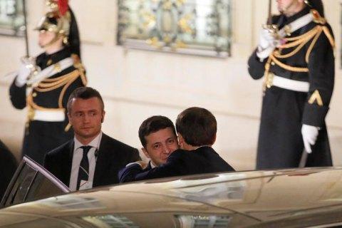Зеленський повертається в Україну після участі в нормандському саміті