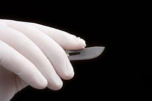 В Украине впервые осужден пластический хирург