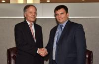 Главы МИД Украины и Италии обсудили продление санкций против России