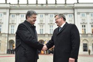 Порошенко встретится с Дудой и Коморовским на стадионе в Варшаве