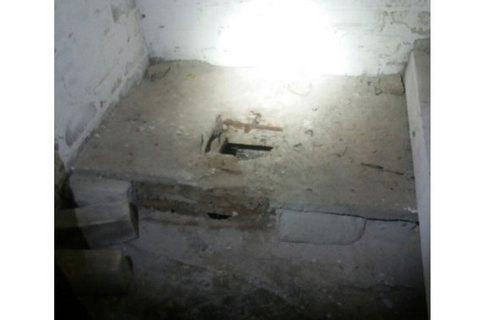 У Рівненській області породілля викинула немовля у вигрібну яму