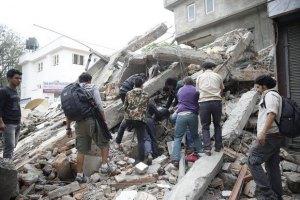Количество погибших при землетрясении в Непале возросло до 5 тыс. человек