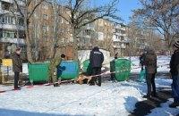 В Николаеве женщина родила ребенка на балконе, убила его ножницами и выбросила на помойку