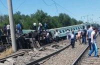 Пассажирский поезд сошел с рельсов в Казахстане, есть погибший