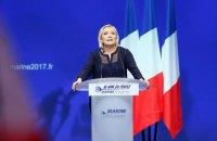 Ле Пен хочет выслать из Франции иностранцев, за которыми следят спецслужбы