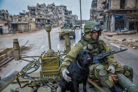 """Сирийская оппозиция выбила боевиков ИГИЛ из их сирийской """"столицы"""" Ракки"""