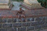 В центре Луцка украли скульптуру символа города - Кликуна