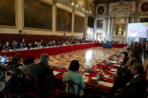 Глава Венецианской комиссии попросил Зеленского предоставить текст принятого закона об олигархах