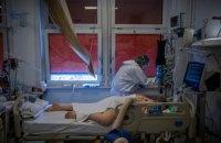 При 25 тис. хворих на ковід щодня доведеться ввести медичне сортування, - лікар