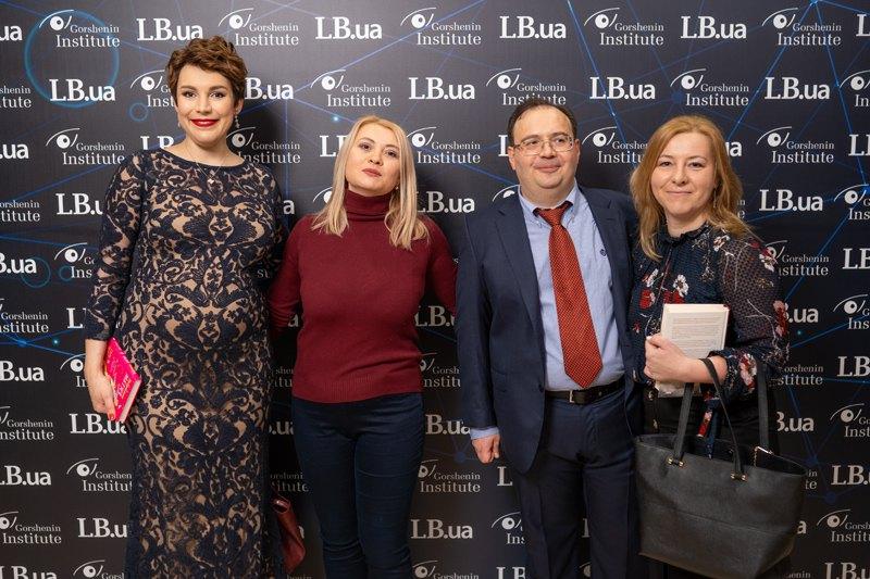 Журналисты Оксана Денисова и Татьяна Николаенко