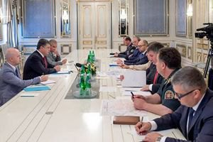 Порошенко: проти ЗСУ застосували нову російську систему залпового вогню