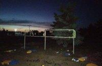 """У Станиці Луганській п'яний місцевий житель зруйнував знак """"Україна"""""""