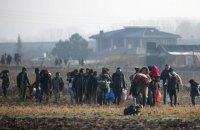Поліція Греції застосувала водомети і сльозогінний газ проти мігрантів з Туреччини