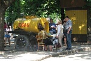 На Тернопольщине избирателей решили задобрить квасом