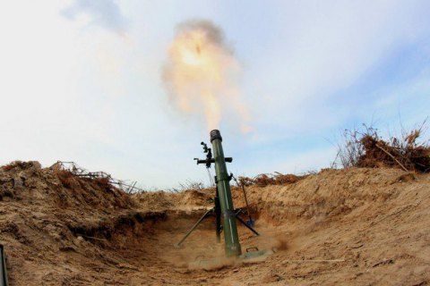 Боевики совершили восемь обстрелов с начала дня, часть - из тяжелой артиллерии