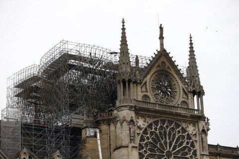 Жара в Париже может привести к обрушению потолка Нотр-Дама, - реставратор