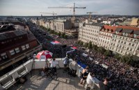 Десятки тисяч чехів вийшли на вулиці з вимогою відставки прем'єр-міністра Бабіша