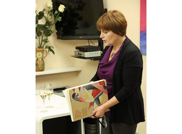 Лідія Лихач презентує книгу-альбом видавництва Родовід