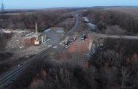 Голова Донецької ОДА показав, як відбувається будівництво шляхопроводу між Бахмутом і Світлодарськом