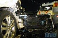 На мосту Патона произошла двойная авария с участием шести автомобилей