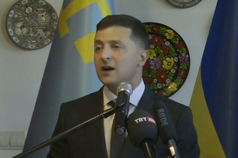 Зеленский пообещал упростить поездки в Крым для крымскотатарской диаспоры