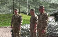 Хомчак представил личному составу нового командующего ООС