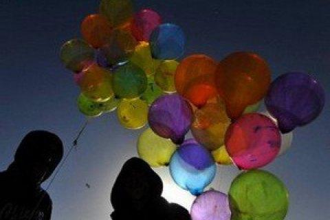 У Росії 10 людей потрапили до лікарні через кульку, що луснула