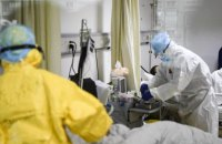 В Україні більше половини місць для пацієнтів з ковідом заповнені