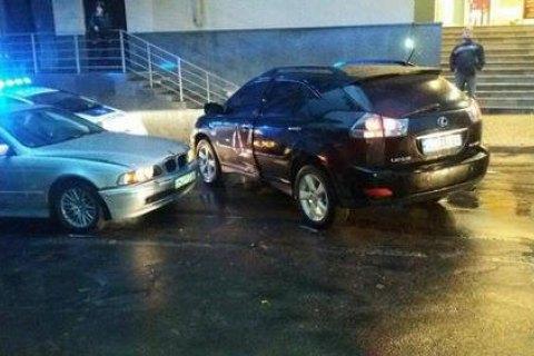 В Ровно пьяный чиновник АМКУ на BMW влетел в Lexus