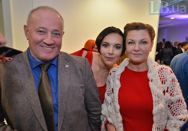 Слева направо: Виктор Чумак, Соня Кошкина и Оксана Продан