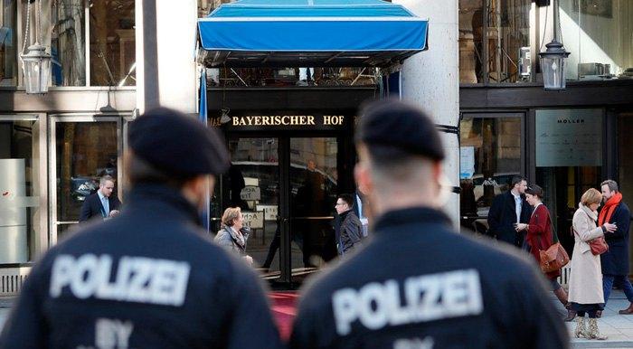 Полиция возле отеля, где проходит 55-й Мюнхенская конференция