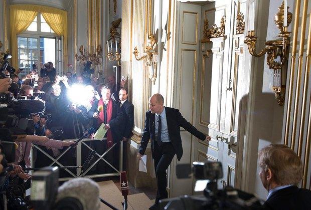 Петер Енґлунд виходить до преси