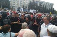 В Молдове проходят митинги сторонников правой и левой оппозиции