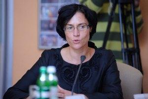 У Арбузова обещают стабильную гривну за счет Евро-2012 и выборов