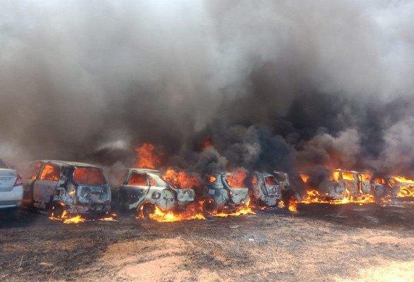 На парковці в Індії згоріли близько 300 автомобілів