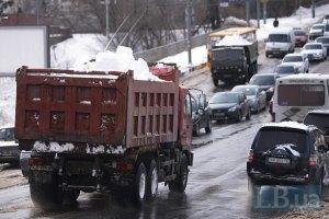 За сутки из Киева вывезено 11,8 тыс. т снега