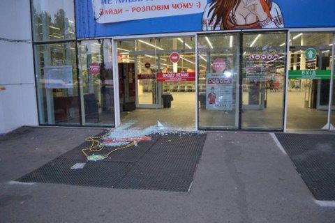 У Миколаєві з ювелірного магазину винесли 5 кг золота