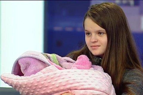 Отцом ребенка 12-летней роженицы из Львовской области оказался ее 14-летний двоюродный брат