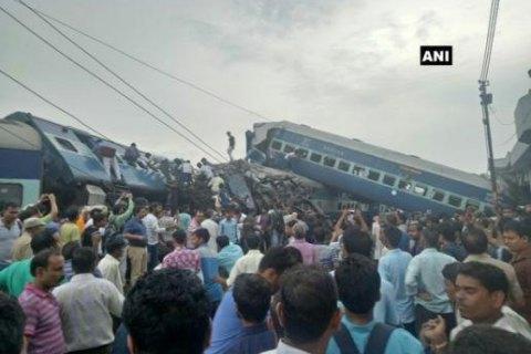 В Індії зійшов з рейок пасажирський потяг, загинуло щонайменше 23 людини